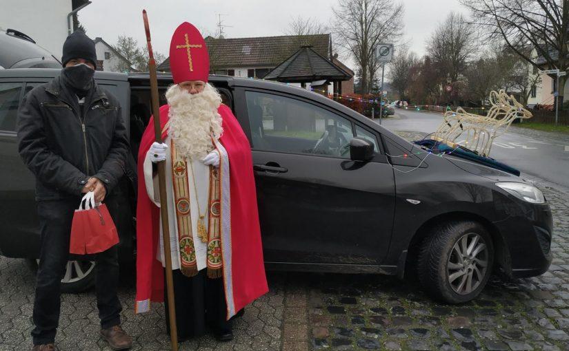 Nikolaus an der Haustür